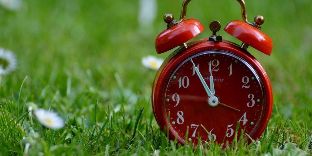 Wiosenne przyspieszenie – czyli jak poradzić sobie ze zmianą czasu na letni
